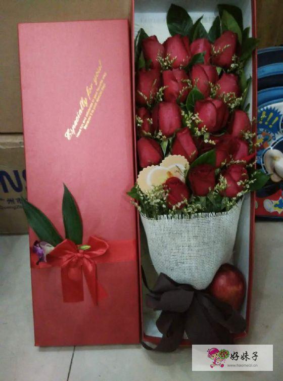 订单编号:21222215622 花材:19支红玫瑰鲜花,长方形高档礼盒 花语:你